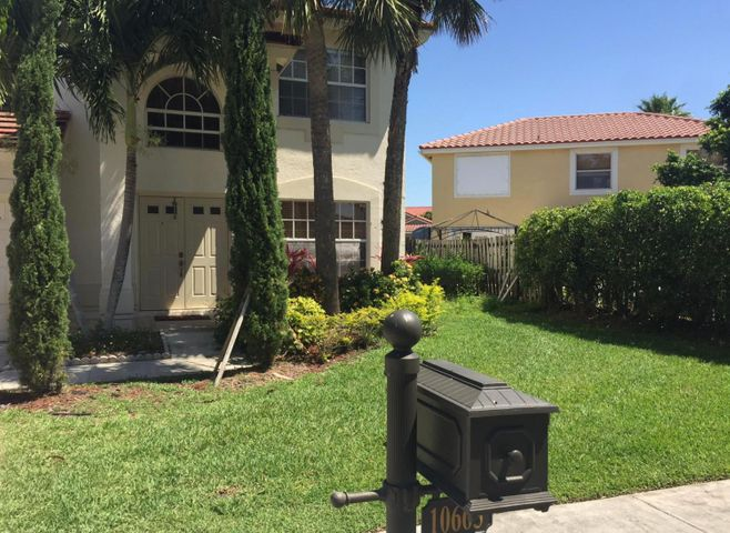 Priced to sell this house in a great community.  Full size 2 car garage.