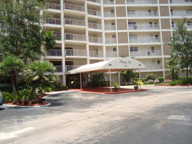 3010 N Course Drive 112, Pompano Beach, FL 33069