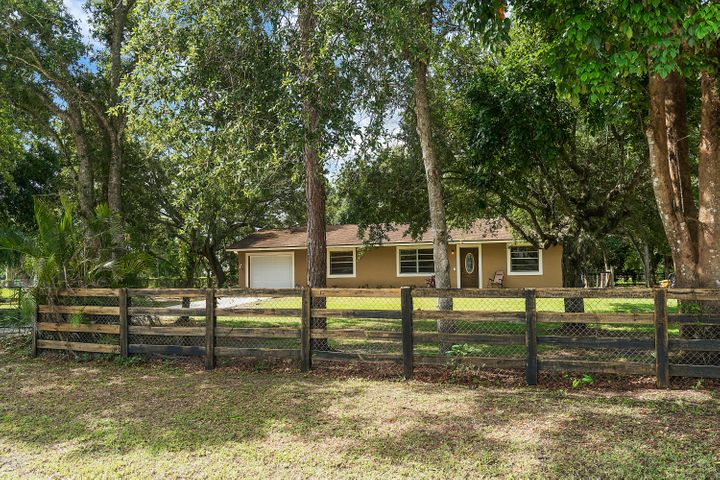 16356 E Downers Drive E, Loxahatchee, FL 33470