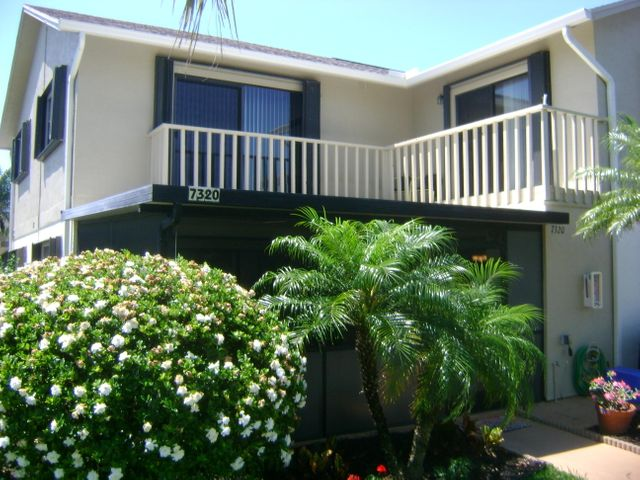 7320 SE Concord Place, Hobe Sound, FL 33455