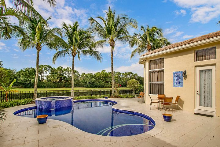 162 Esperanza Way, Palm Beach Gardens, FL 33418