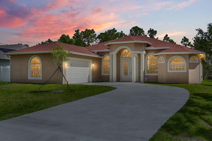 5551 NW South Lundy Circle, Port Saint Lucie, FL 34986