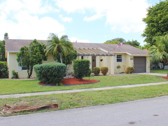 4818 Marbella Road S, West Palm Beach, FL 33417