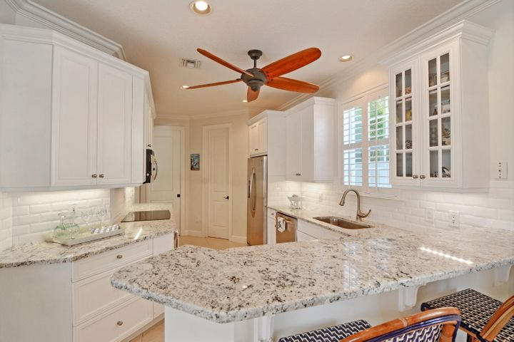 1125 Governors Way, Vero Beach, FL 32963
