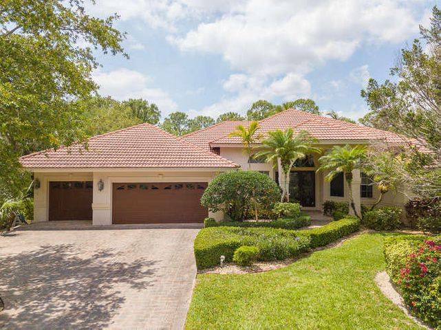 18848 SE Old Trail Dr W-small-001-75-188