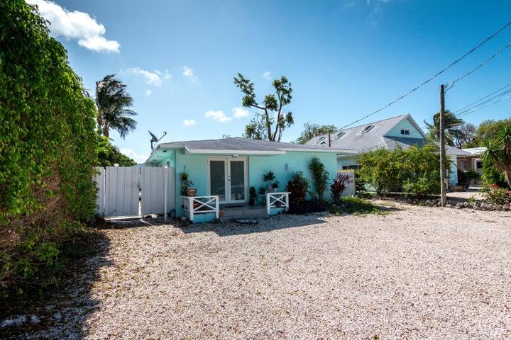208 Jasmine Street, Tavernier, FL 33070