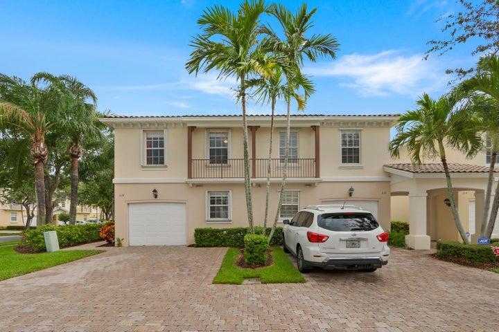 318 Salinas Drive, Palm Beach Gardens, FL 33410