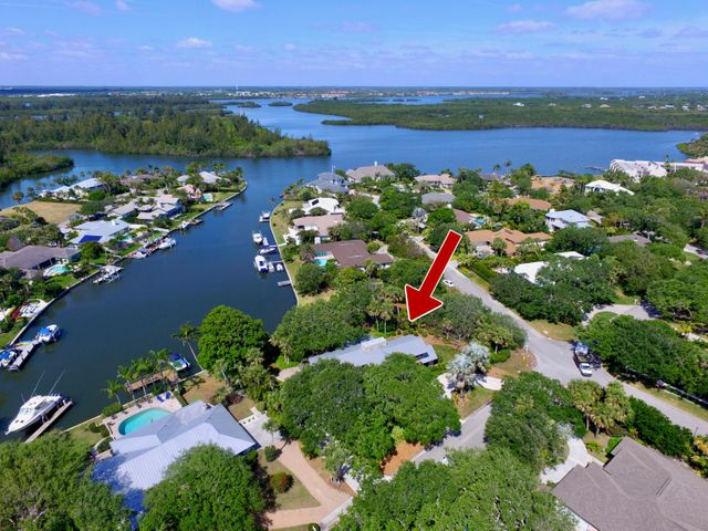 4665 Pebble Bay S, Indian River Shores, FL 32963