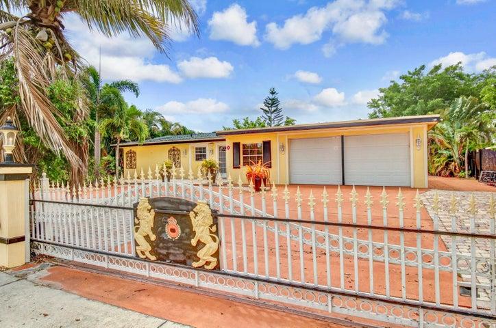 750 SE Prima Vista Boulevard, Port Saint Lucie, FL 34952