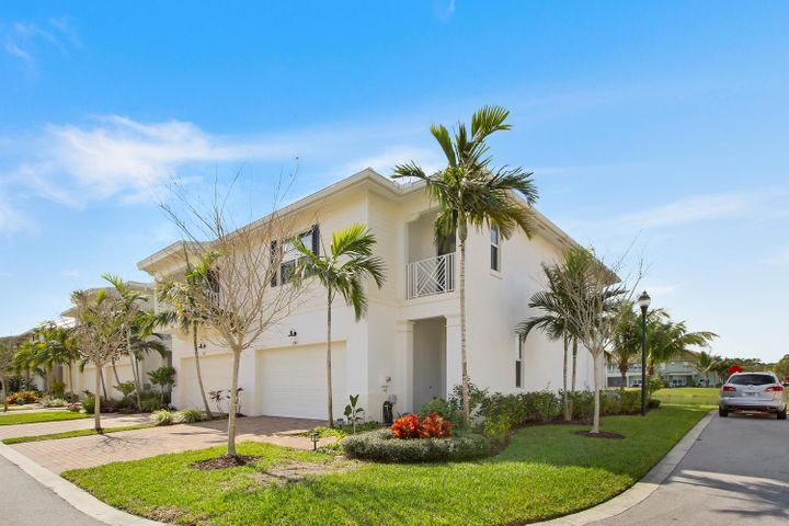 2145 Wells Place, Palm Beach Gardens, FL 33418