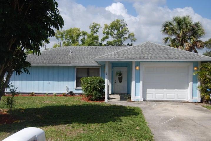 8350 SE Camellia Drive, Hobe Sound, FL 33455