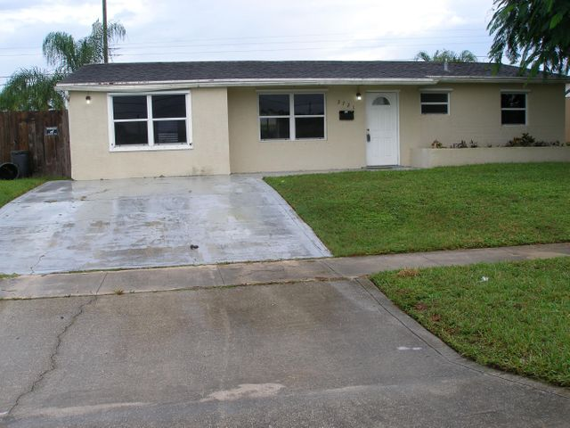 3721 Holiday Road, Palm Beach Gardens, FL 33410