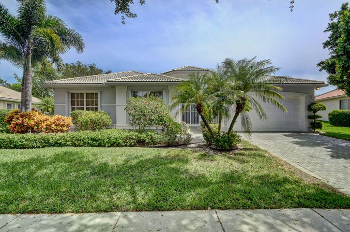6874 Fiji Circle, Boynton Beach, FL 33437