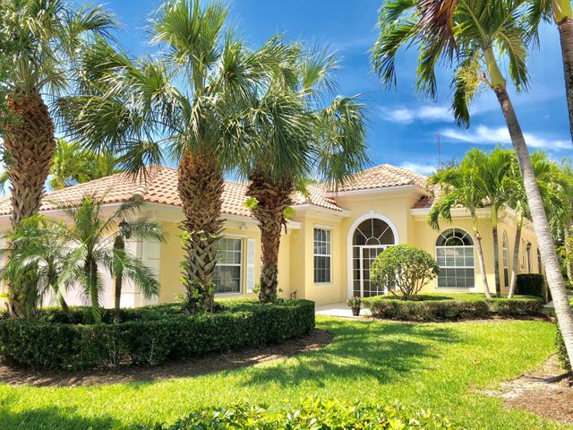 8835 Oldham Way, Palm Beach Gardens, FL 33412