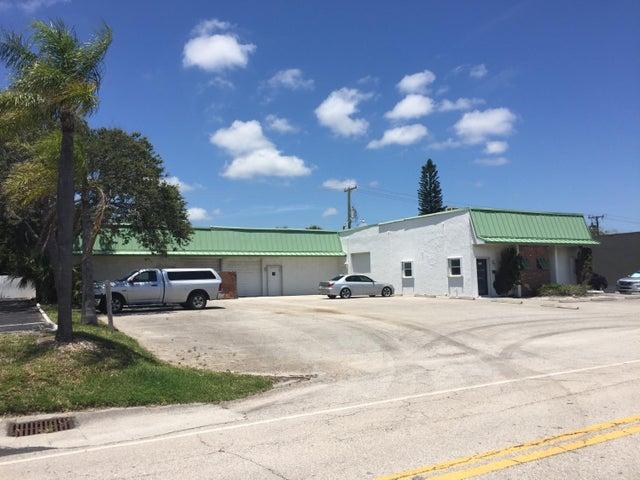 1567 S Cypress Drive, Jupiter, FL 33469