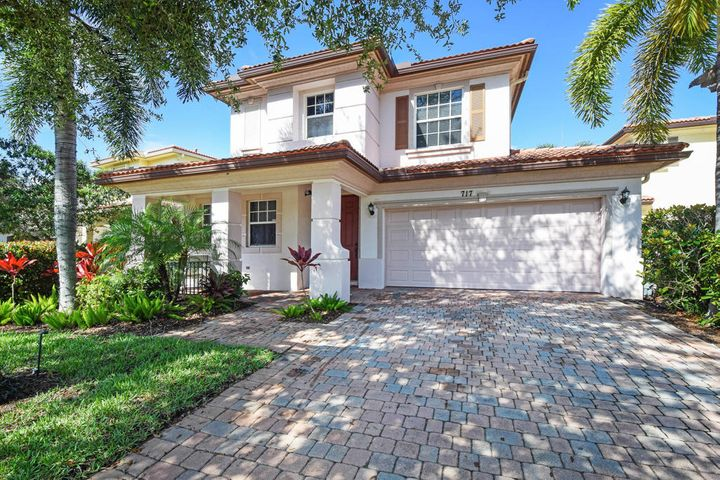 717 Duchess Court, Palm Beach Gardens, FL 33410