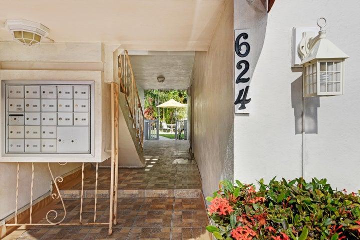 624 Antioch Avenue 8, Fort Lauderdale, FL 33304