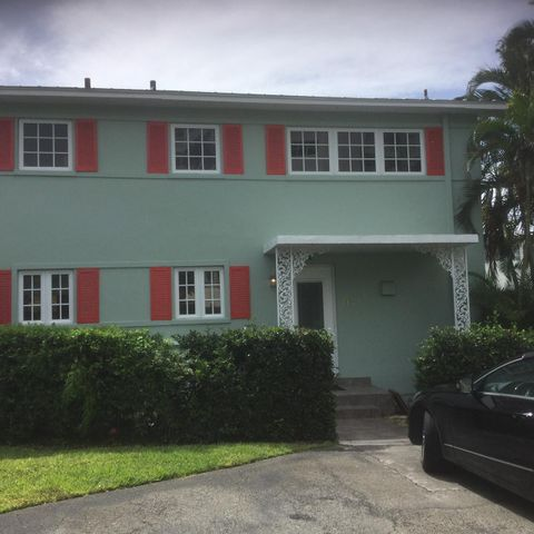 COMPLETELY REMODELED TOWNHOUSE A HALK BLOCK FROM ATLANTIC AVE AND 2 BLOCK FROM THE BEACH