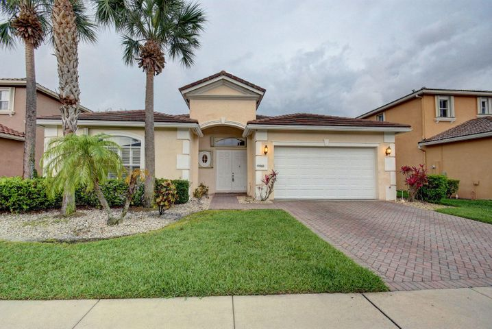 6868 Houlton Circle N, Lake Worth, FL 33467