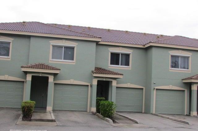 210 Crestwood Circle 103, Royal Palm Beach, FL 33411