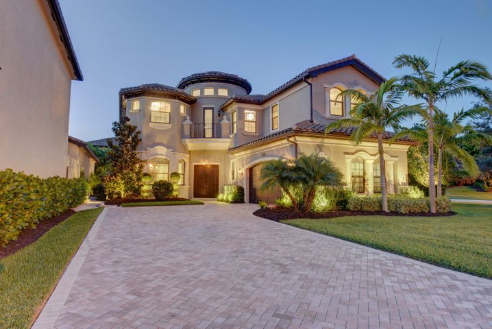 8199 Lost Creek Lane, Delray Beach, FL 33446