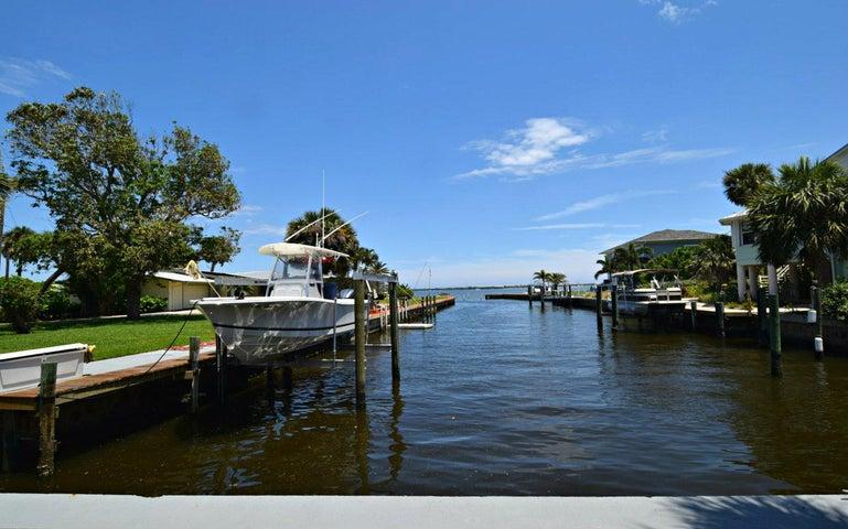 86 N Sewalls Point Road, Sewalls Point, FL 34996