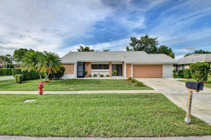 6254 Timberlakes Way, Delray Beach, FL 33484