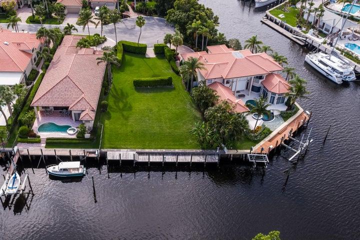 2075 La Porte Drive, Palm Beach Gardens, FL 33410