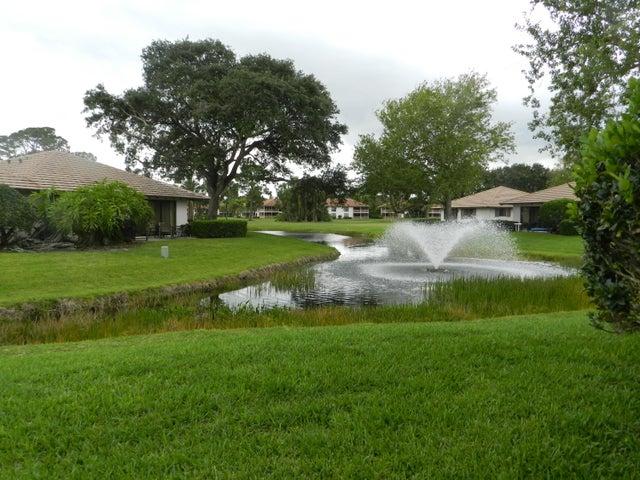 805 Club Drive, Palm Beach Gardens, FL 33418