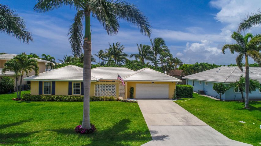 14 NW 24th Court, Delray Beach, FL 33444