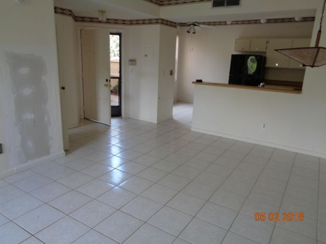 12044 NW 11th Street 12044, Pembroke Pines, FL 33026