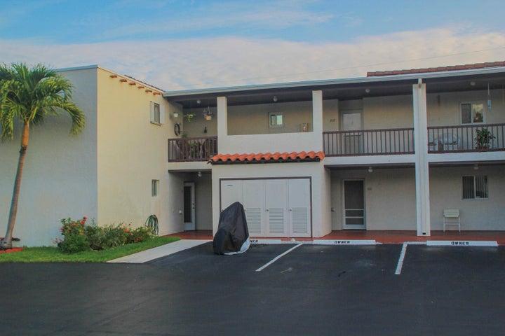 2601 Boundbrook Boulevard 101, Palm Springs, FL 33406