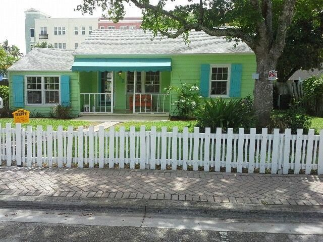 A FANTASTIC LOCATION in the heart of Pineapple Grove! Located on the prestigious Bankers Row within OSSHAD zoning. This wonderful property is next door to everything Delray has to offer - excellent restaurants, shops and just 2 blocks from Atlantic Ave. White sandy beaches are just walking distance away and is less than a mile to I95.  The property consists of 2 separate buildings.  The main house is a 2/1 and the guest cottage is a 1/1. Each building is metered separately and can be used for residential and/or business.