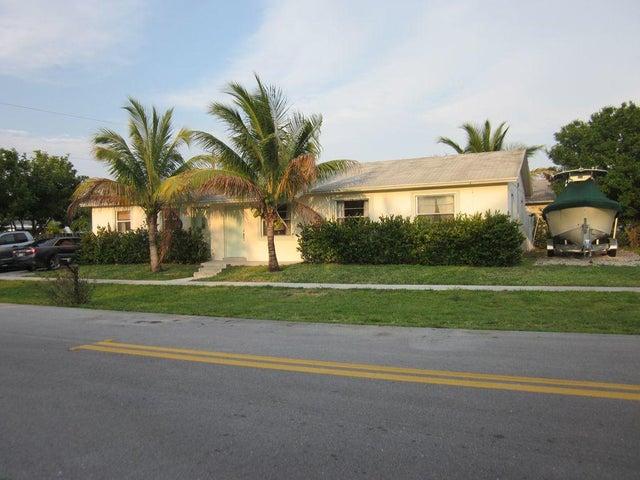 407 Suwanee Avenue, Jupiter, FL 33458