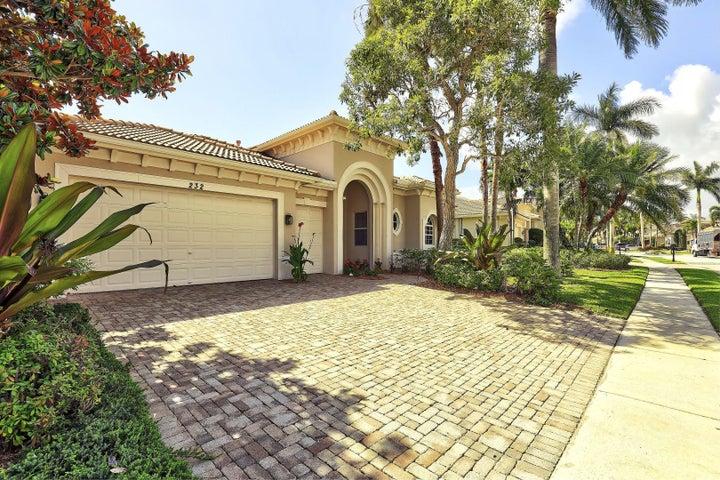 232 Montant Drive, Palm Beach Gardens, FL 33410