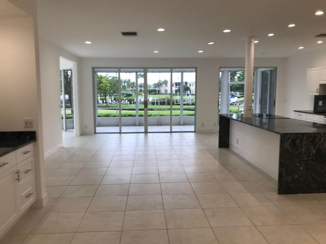 330 Spyglass Way, Jupiter, FL 33477