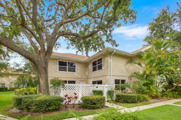 8129 Sedgewick Court D, Lake Clarke Shores, FL 33406