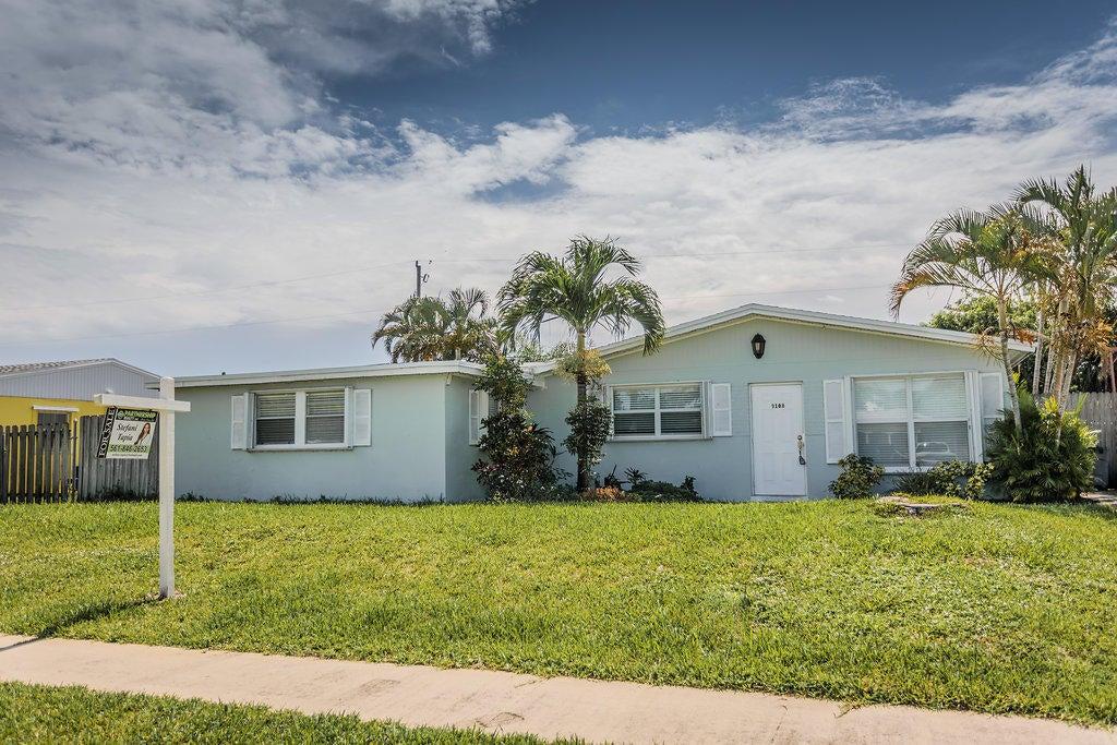 9108 Reed Drive, Palm Beach Gardens, FL 33410