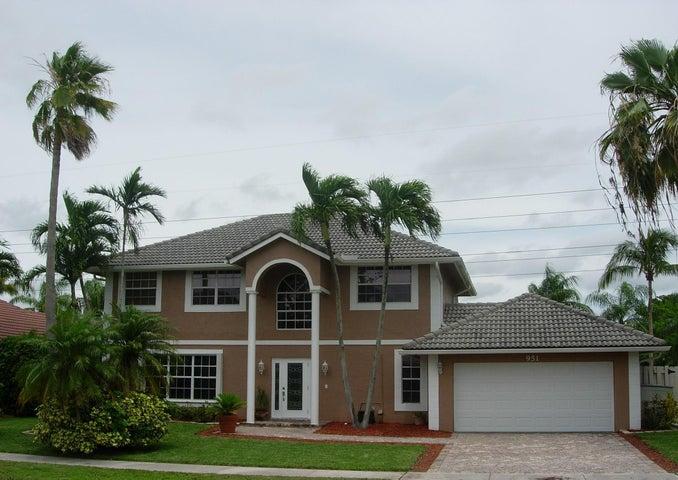 951 Amherst Avenue, Davie, FL 33325