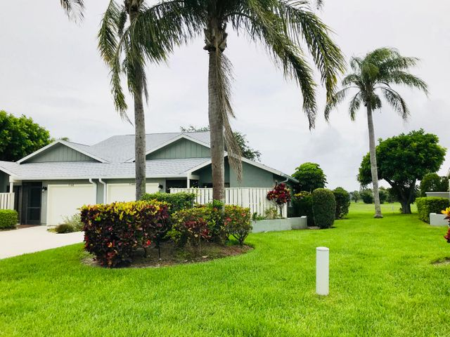 7166 SE Constitution Boulevard, Hobe Sound, FL 33455
