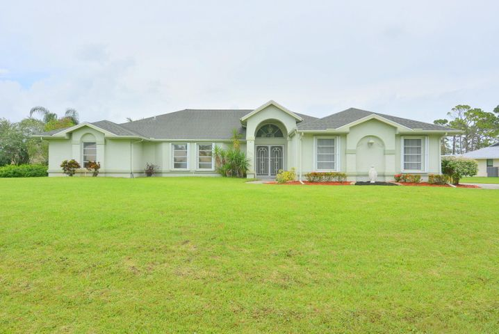 3041 SE Dalhart Road, Port Saint Lucie, FL 34953
