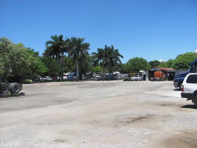 717 NW L Avenue, Belle Glade, FL 33430