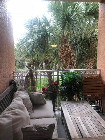 1206 Myrtlewood Circle E, Palm Beach Gardens, FL 33418