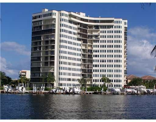 3912 S Ocean Boulevard 406, Highland Beach, FL 33487