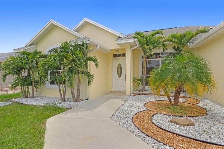 3226 SW Constellation Road, Port Saint Lucie, FL 34953