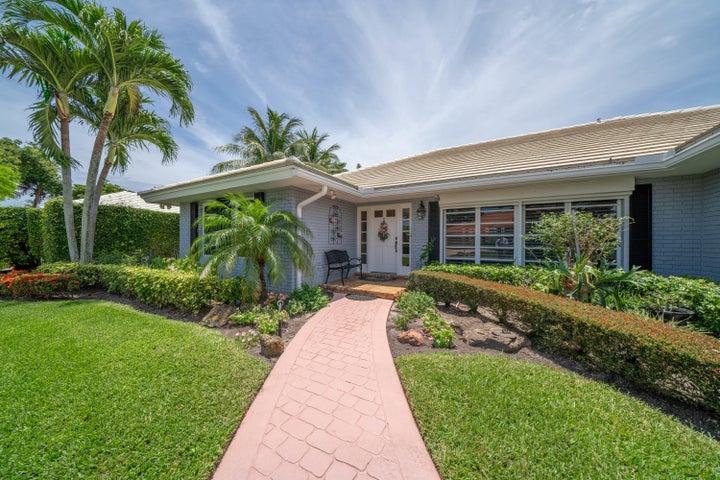 4570 S Lake Drive, Boynton Beach, FL 33436