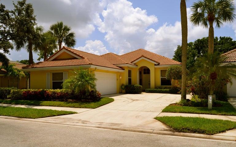 204 Hampton Place, Jupiter, FL 33458