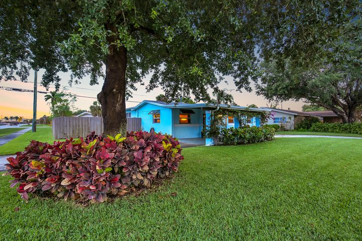 340 Lighthouse Drive, Palm Beach Gardens, FL 33410