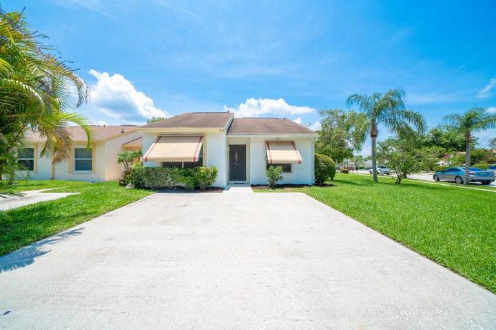 215 Palmetto Court, Jupiter, FL 33458
