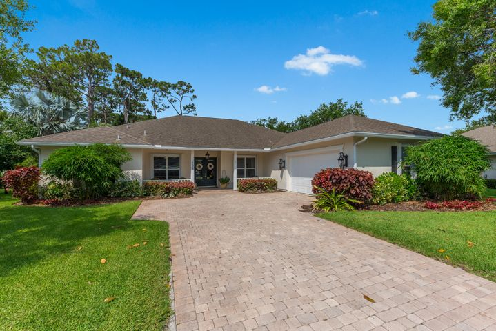 5405 Stately Oaks Street, Fort Pierce, FL 34981